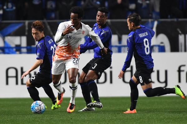 Yosuke_Ideguchi_Gamba_Osaka_v_Jeju_United_ZKkzAGrG8XVl.jpg