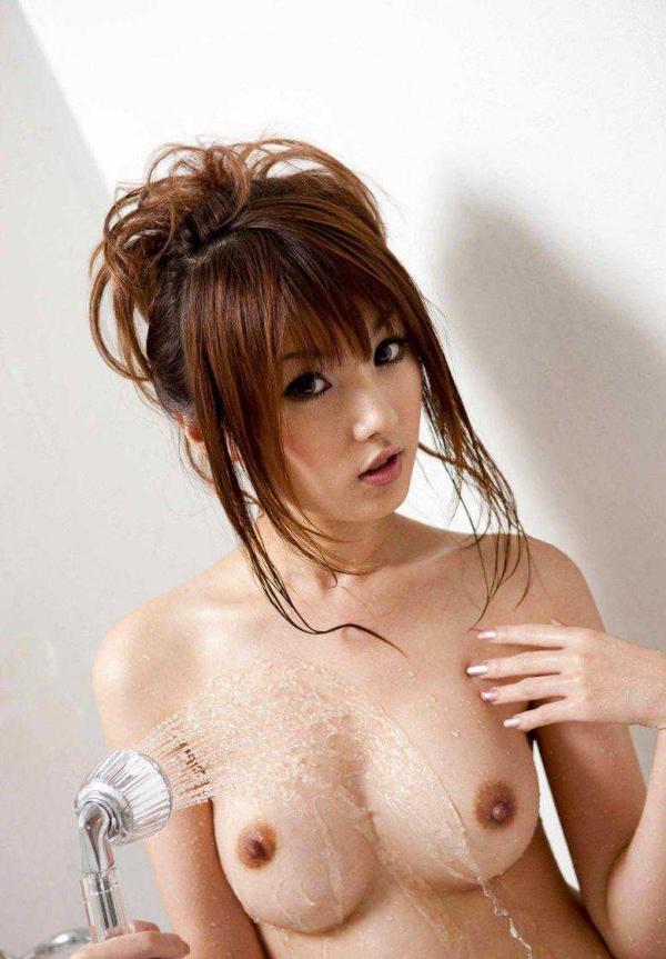 美乳のヌード画像-21