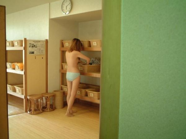 脱衣のエロ画像-9
