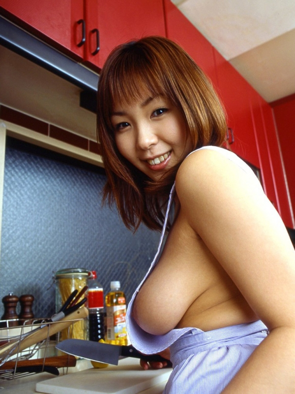 彼女のエプロン裸の画像-16