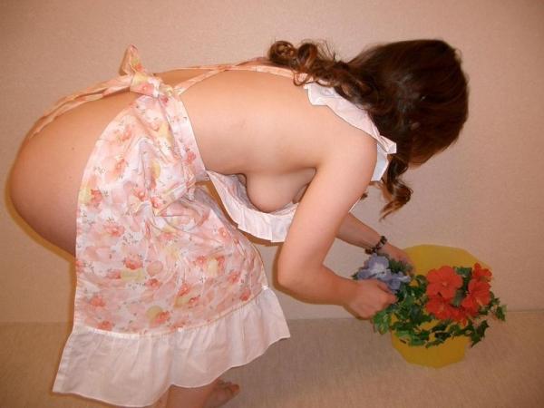 彼女のエプロン裸の画像-68