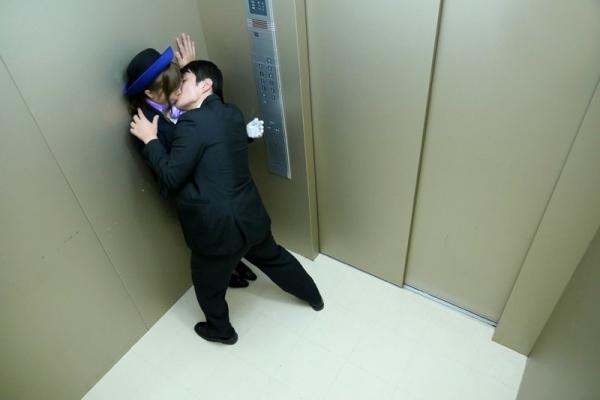 エレベーターガールのエロ画像-42