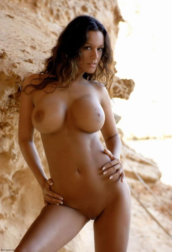 外国人女性のヌード画像-26