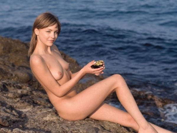外国人女性のヌード画像-34