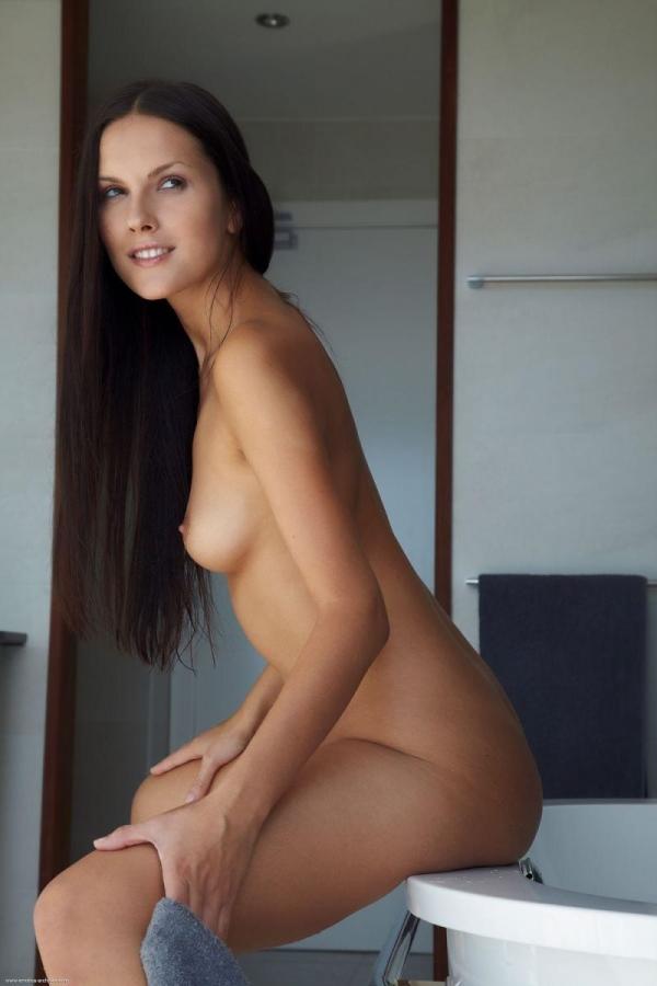 外国人女性のヌード画像-59