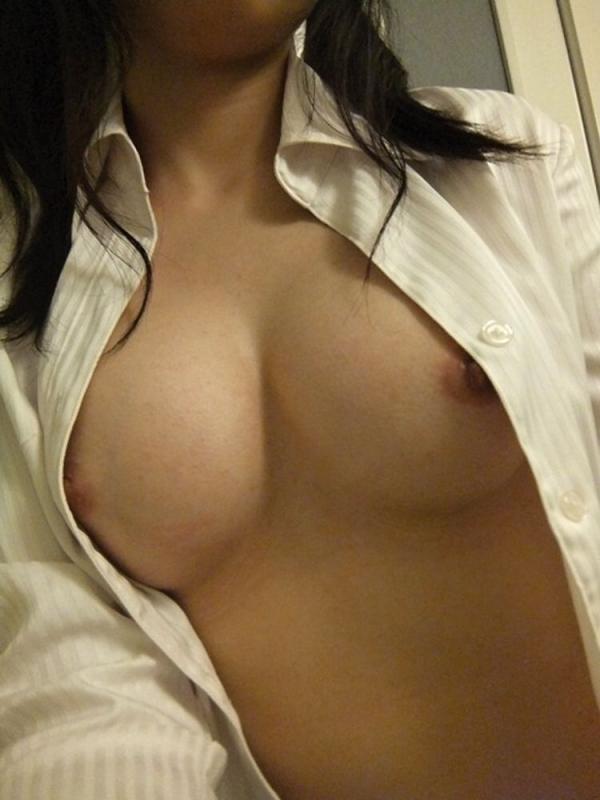 裸シャツの彼女画像-11
