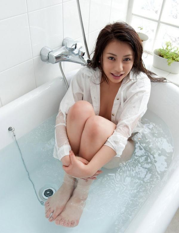 裸シャツの彼女画像