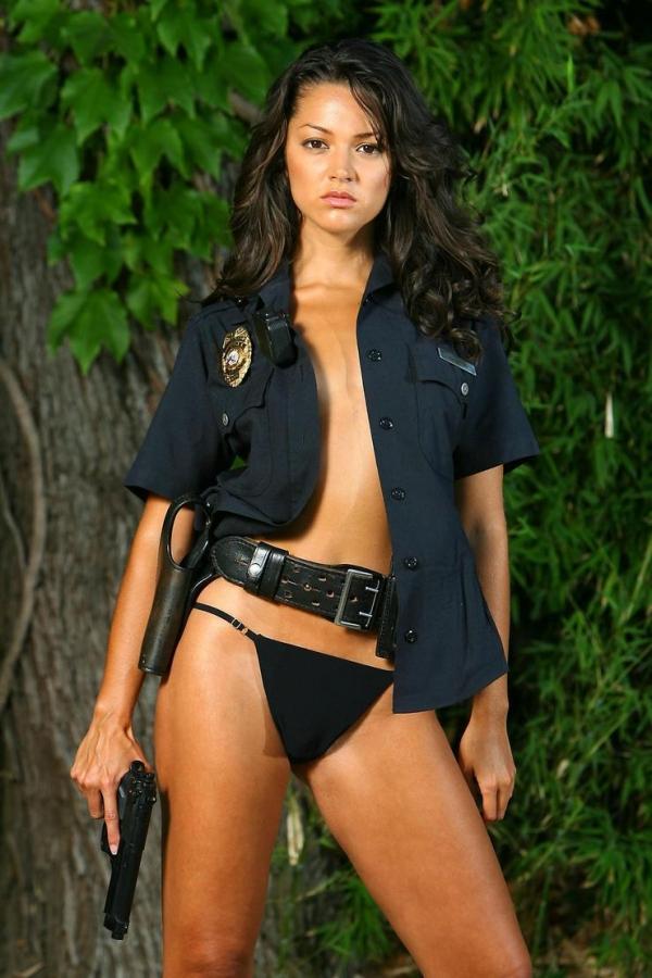 婦人警官のエロ画像-1