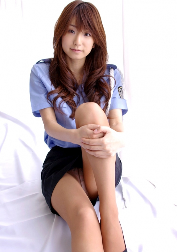 婦人警官のエロ画像-19