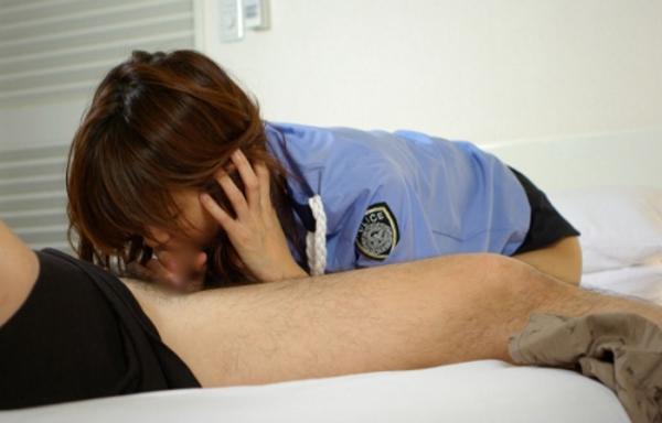 婦人警官のエロ画像-32