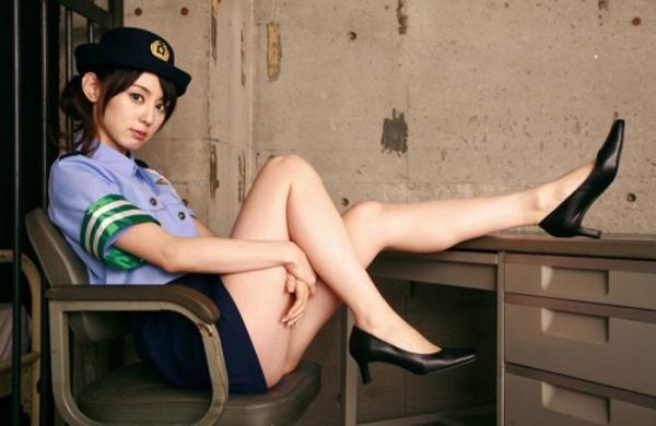 婦人警官のエロ画像-36