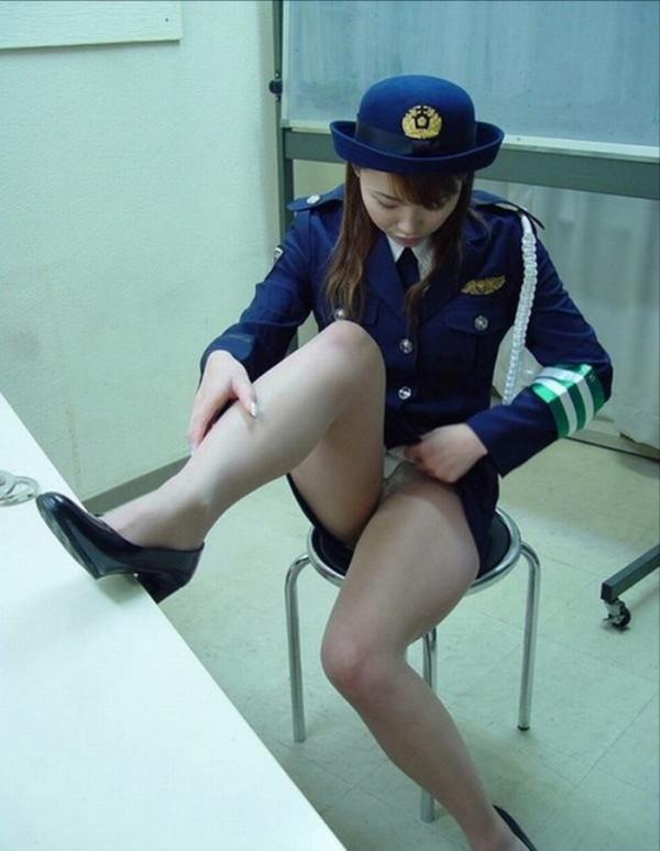 婦人警官のエロ画像-43