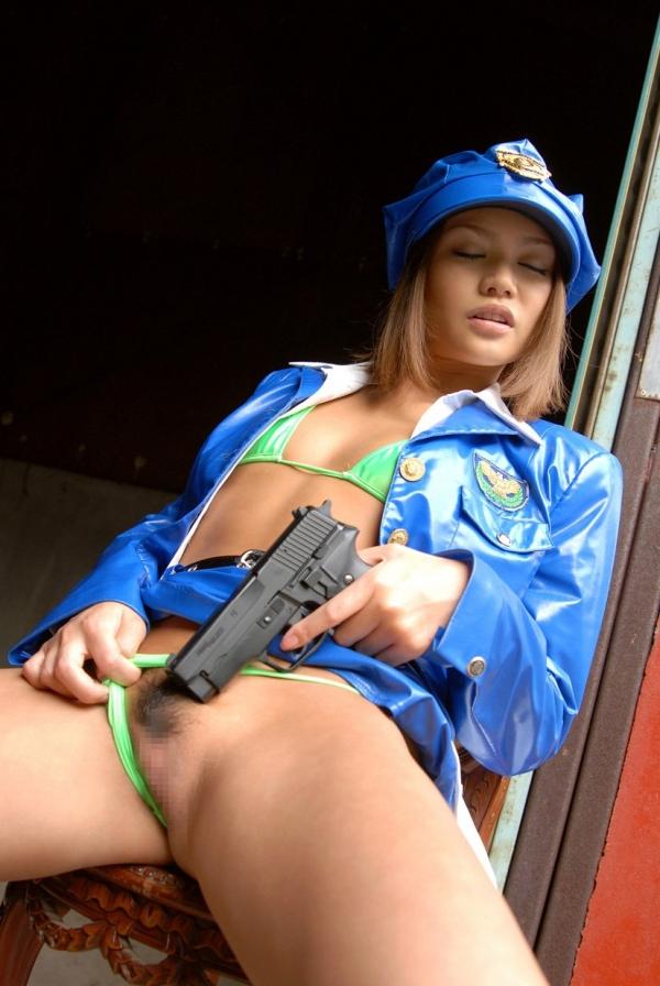 婦人警官のエロ画像-54