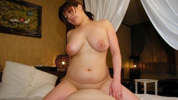人妻の不倫セックス画像-16