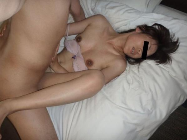 人妻の不倫セックス画像-40