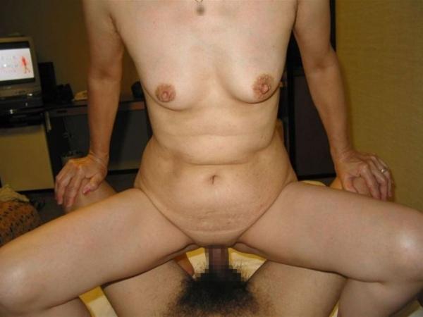 人妻の不倫セックス画像-42