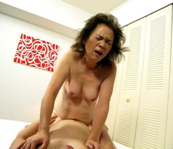 人妻の不倫セックス画像-86