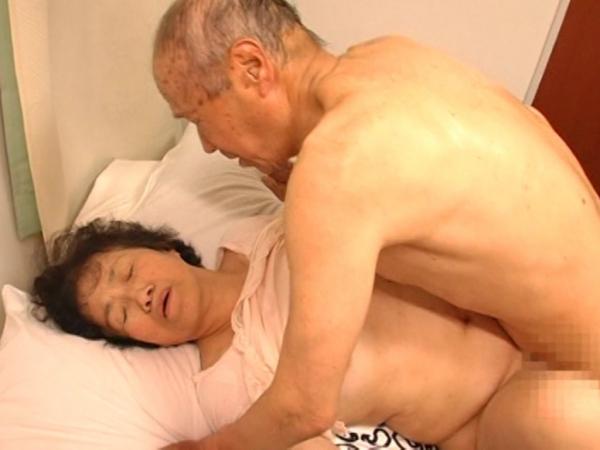 人妻の不倫セックス画像-92