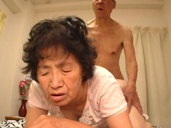 人妻の不倫セックス画像-93