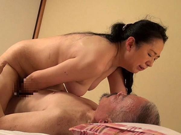 人妻の不倫セックス画像-95