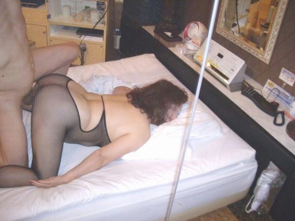 人妻の不倫セックス画像-100