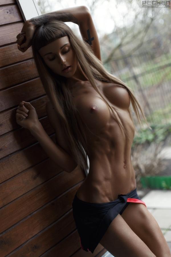 腹筋女子のヌード画像-18