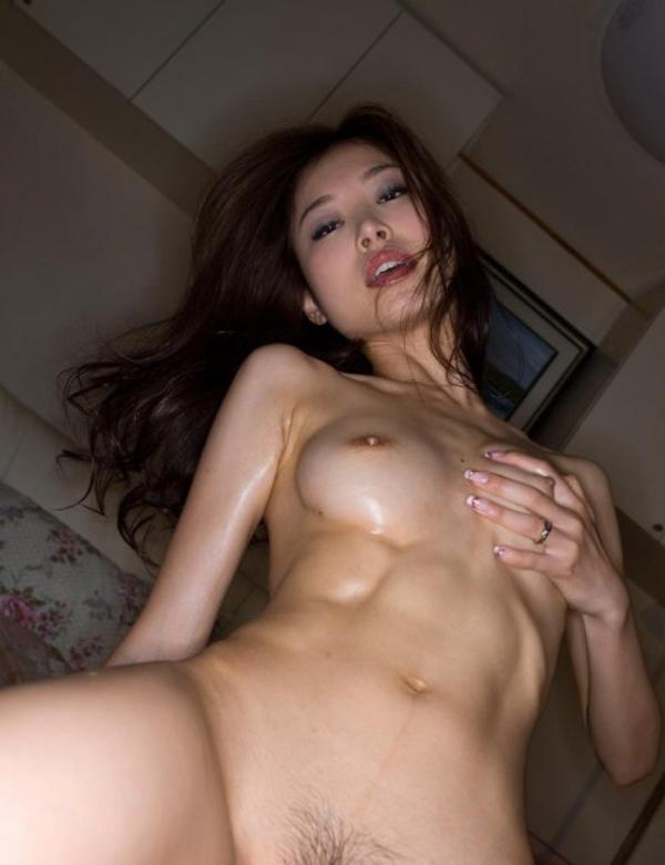 腹筋女子のヌード画像-23