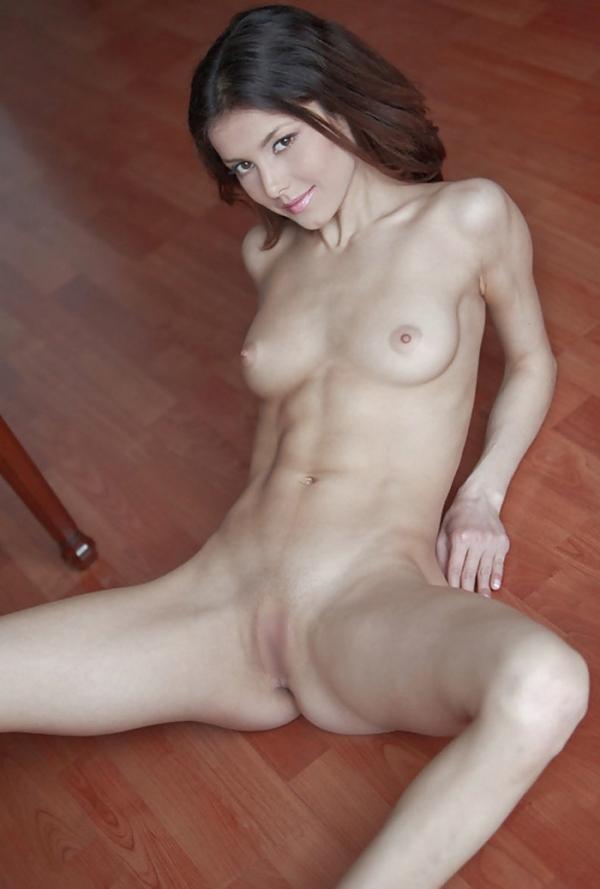 腹筋女子のヌード画像-25