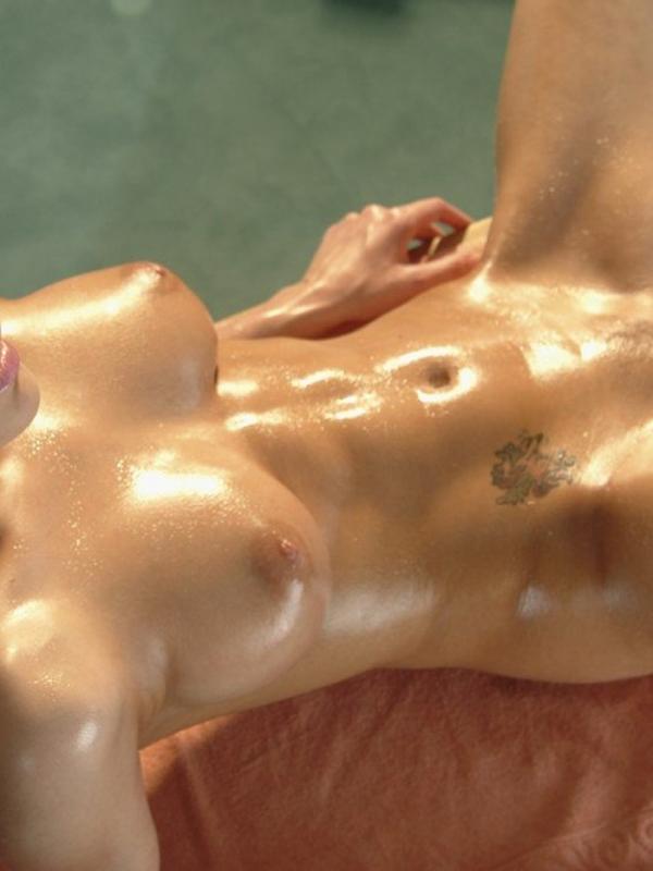 腹筋女子のヌード画像-40