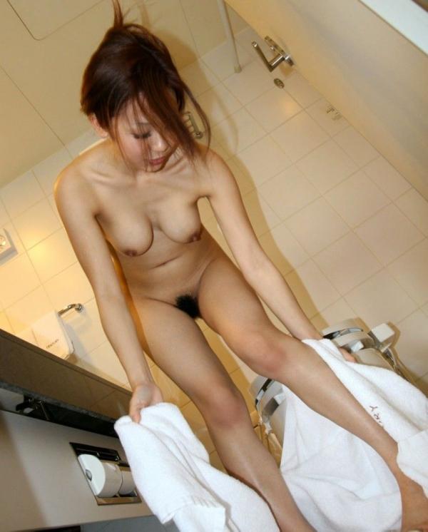 風呂上がりのエロ画像-56