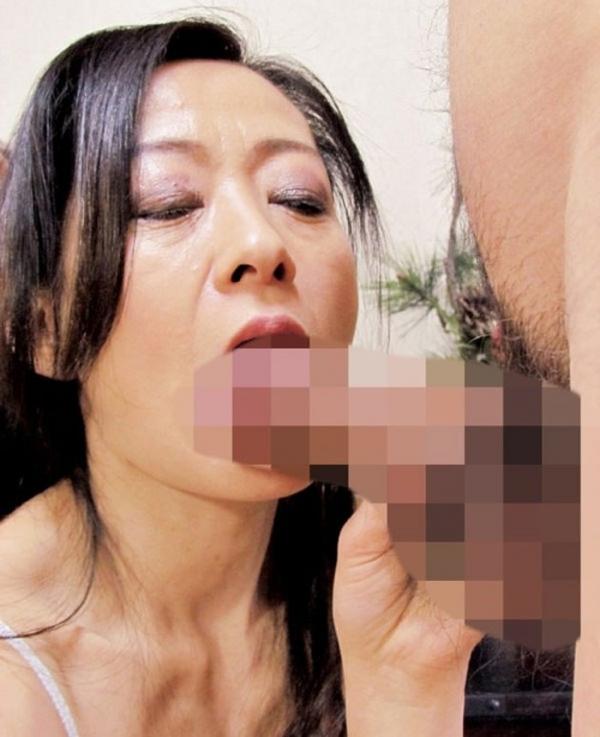 熟女の手コキとフェラチオ画像-38