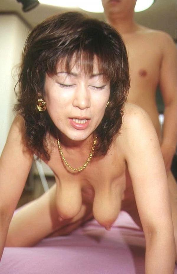熟女の後背位セックス画像-42
