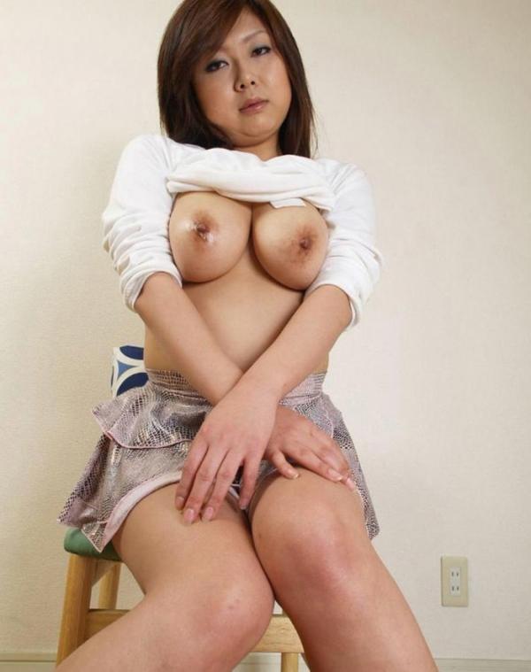 熟女の巨乳画像-3
