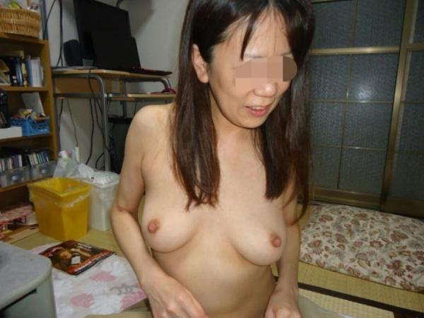 熟女妻の巨乳画像-16