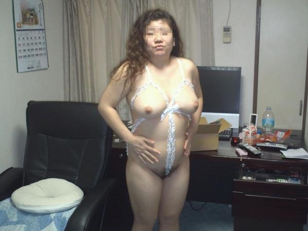 熟女妻の巨乳画像-30