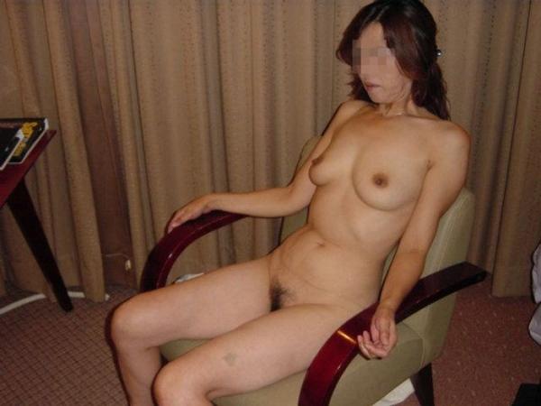 熟女妻のヌード画像-1