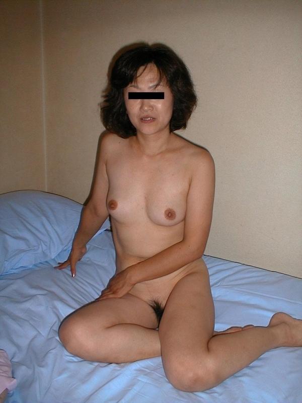 熟女妻のヌード画像-14