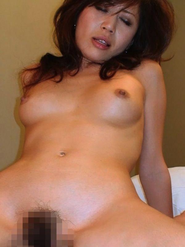 熟女妻のヌード画像-17