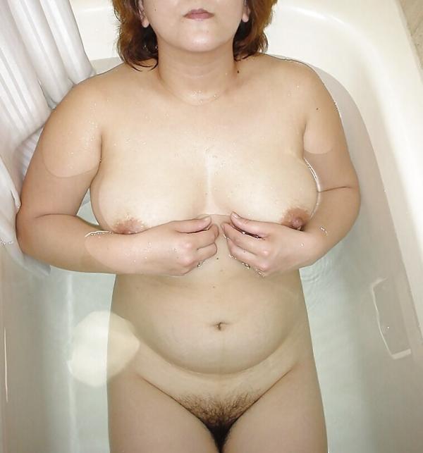 熟女妻のヌード画像-21