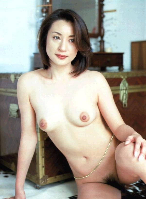 熟女妻のヌード画像-29