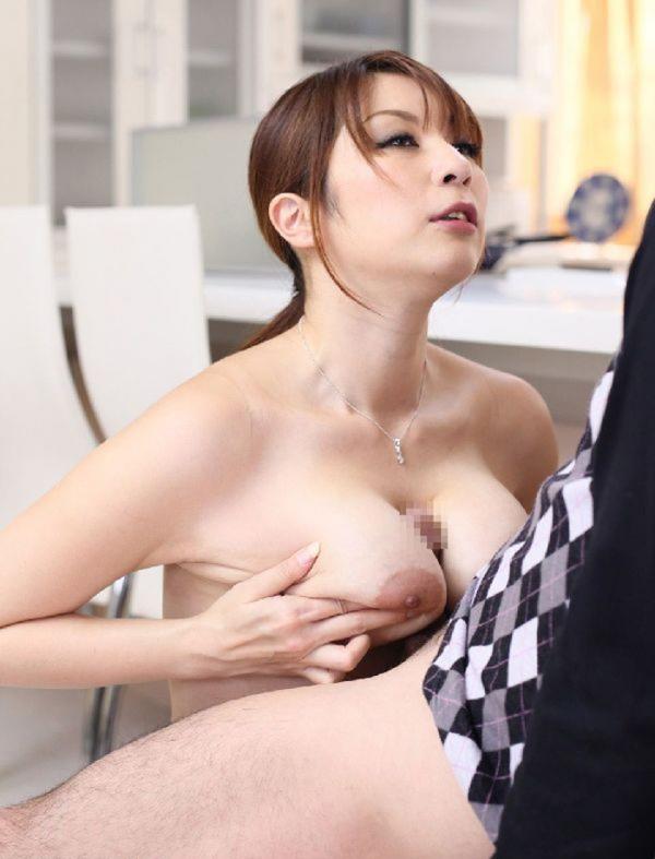 熟女妻のヌード画像-31