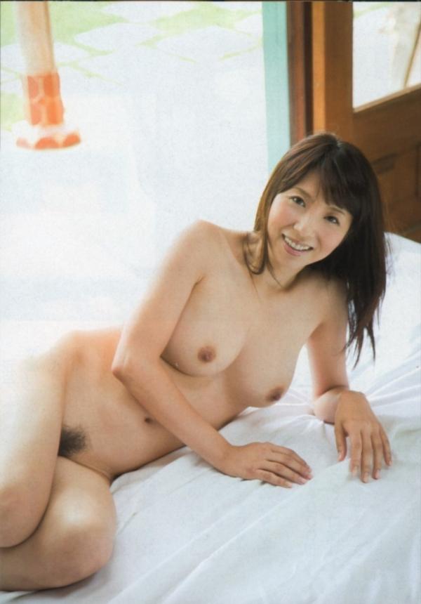 熟女妻のヌード画像-58