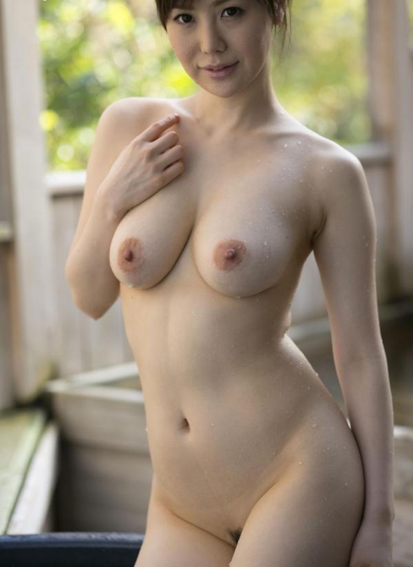 熟女妻のヌード画像-63
