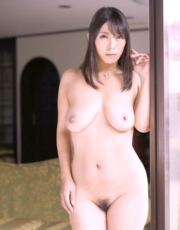 熟女妻のヌード画像-64