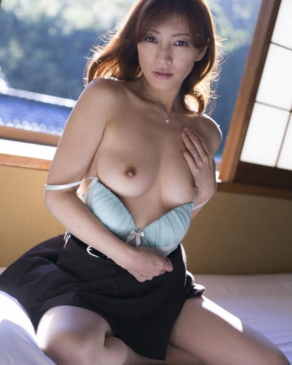 熟女妻のヌード画像-65