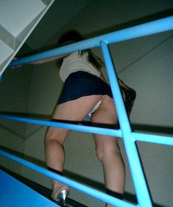 階段パンチラの画像-42