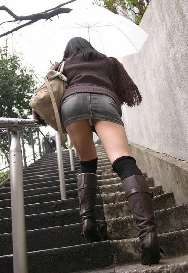 階段パンチラの画像-48