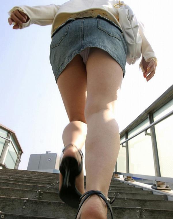 階段パンチラの画像-49
