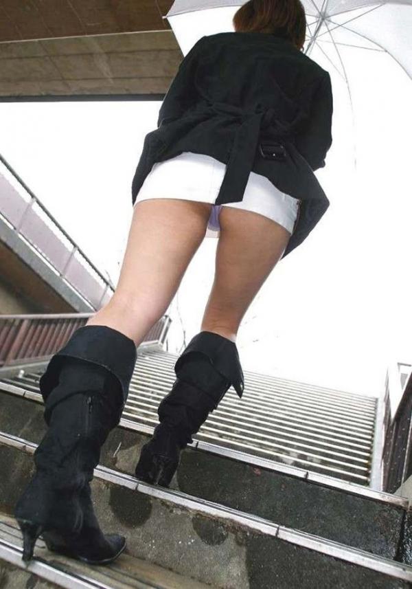 階段パンチラの画像-57