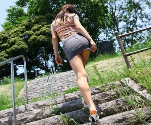 階段パンチラの画像-73